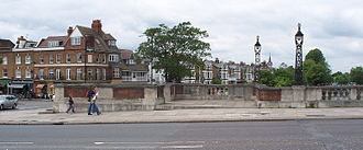 Molesey - Hampton Court Bridge and East Molesey Riverbank
