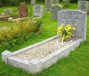 St Mary's Old Church, St Mary's - Harold Wilson's grave