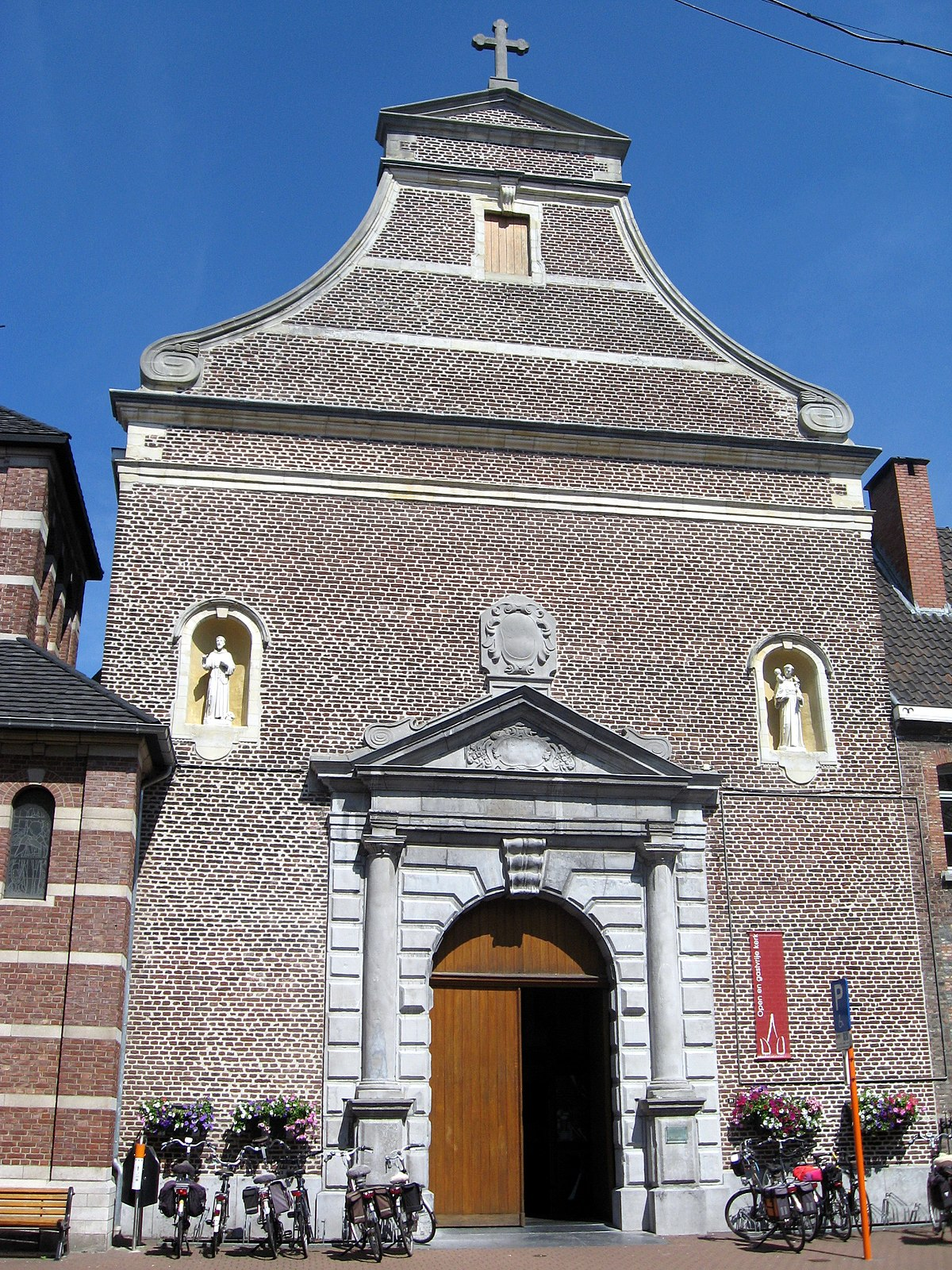 Sint rochuskerk hasselt wikipedia for Interieur hasselt