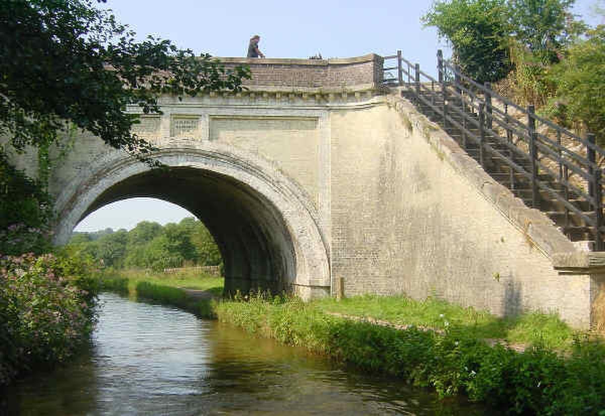 Hazelhurst Aqueduct - geograph.org.uk - 3869.jpg