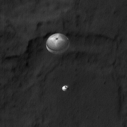 HiRISE image of MSL during EDL (refined)