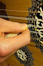 kleines gitarrenähnliches instrument codycross