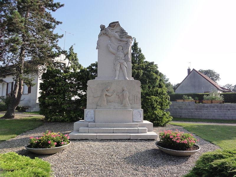 Homblières (Aisne) monument aux morts 1914-18