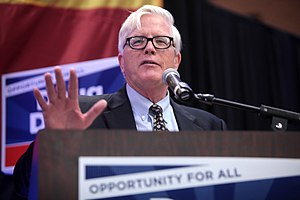 Hugh Hewitt - Hewitt at a campaign event for Doug Ducey for Governor of Arizona, October 2014
