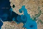 ISS049-E-003464 (Van Lake).jpg