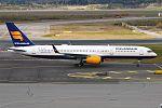 Icelandair, TF-ISR, Boeing 757-256 (29636563683).jpg