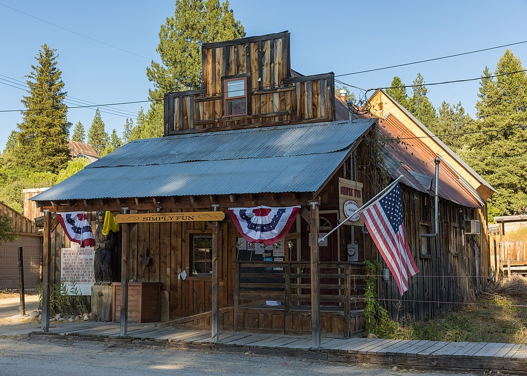 historic wood building in idaho city, one of the best idaho small towns to visit