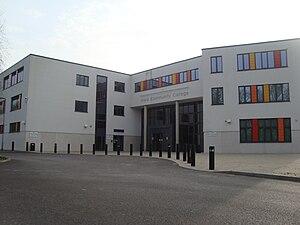 Ifield Community College - Image: Ifieldcommunitycolle ge