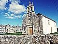 Igrexa e cemiterio de San Pedro de Cumeiro, Vila de Cruces.jpg