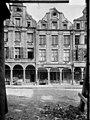 Immeubles - De gauche à droite - Arras - Médiathèque de l'architecture et du patrimoine - APMH00026245.jpg