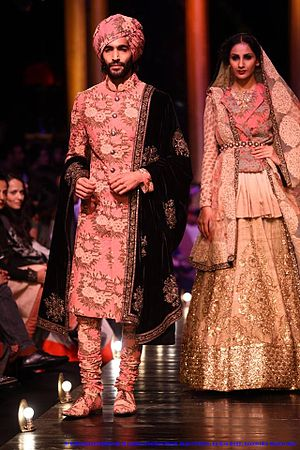 Sabyasachi Mukherjee - Image: In Sabya Sachi Mukherji's designs at Lakme Fashion Week Grand Finale, by Sou Boyy, Sourendra Kumar Das