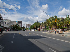 ウィントフック: Independence Avenue Windhoek Namibia