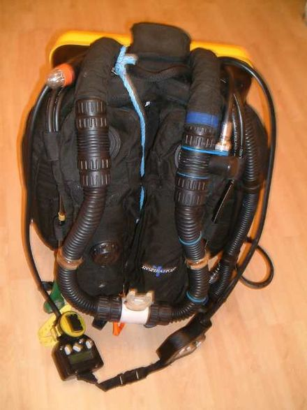An Inspiration rebreather seen from the front Inspiration front.JPg
