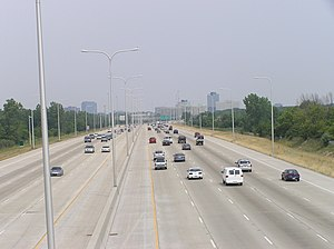 Interstate 290 (Illinois) - I- 290 at mile marker 4, looking north toward Schaumburg