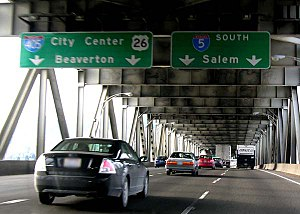 Interstate 5 in Oregon - Image: Interstate 5 southbound at Interstate 405 in Portland