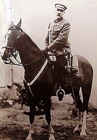 Józef Piłsudski na kasztance.jpg