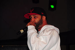 Joe Budden performing in 2010.jpg