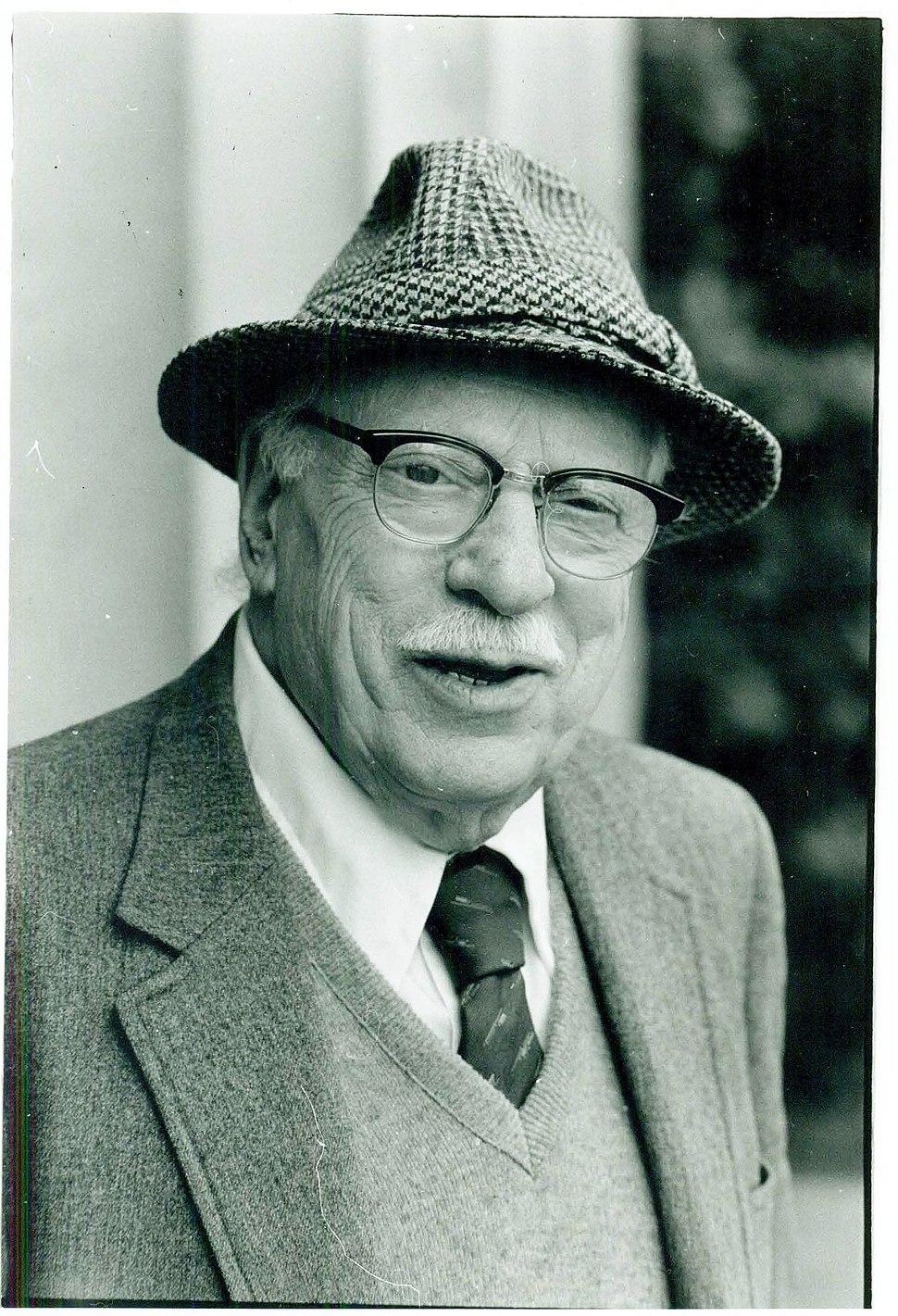 Joerosenthal1990