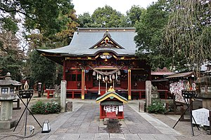 Kanmuri-inari-jinja haiden.jpg