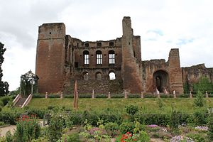 Slighting - One side of Kenilworth Castle's great tower was slighted following the English Civil War