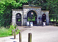 King's College gateway - geograph.org.uk - 875504.jpg