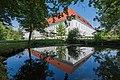 Klagenfurt Stift Viktring SO-Ansicht mit Teich 08062015 4566.jpg