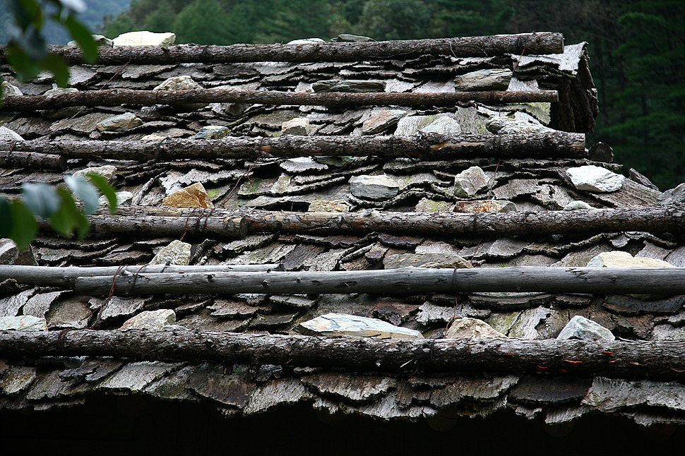 Korea-Samcheok-Gulpijip-Bark shingled house-02