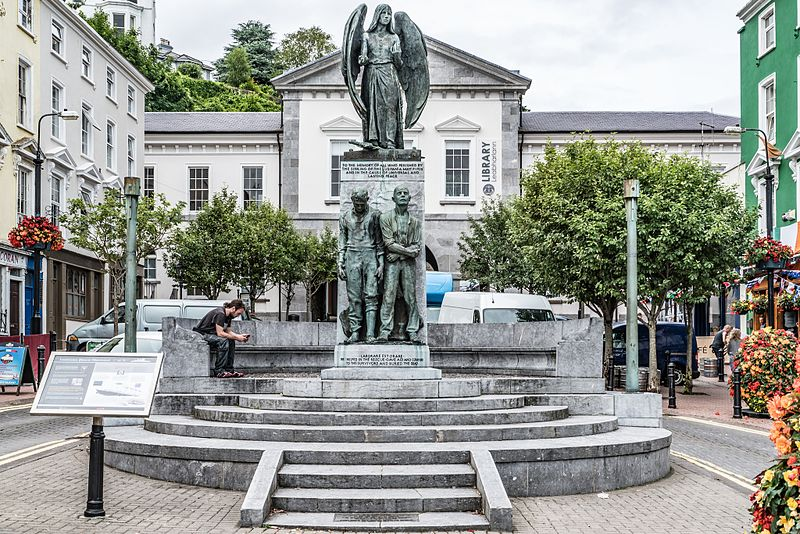 File:LUSITANIA PEACE MEMORIAL (COBH COUNTY CORK) - panoramio - William Murphy (1).jpg