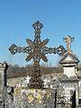 La Tour-Blanche cimetière croix métal.JPG