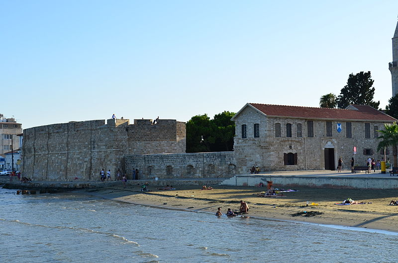 File:Larnaca fort.JPG