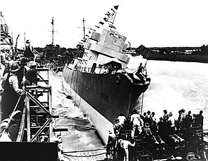 Launching of USS Leopold (DE-319) at Consolidated Steel, Orange, Texas (USA), on 12 June 1943 (NH 91597)