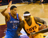 LeBron James vs Andre Roberson.jpg