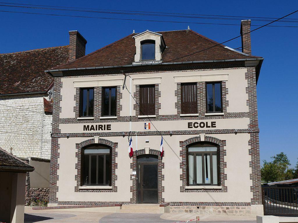 Le Pavillon-Sainte-Julie - Mairie - 1.jpg