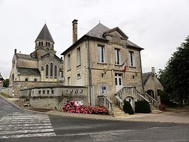 The town hall and church of Leuilly-sous-Coucy