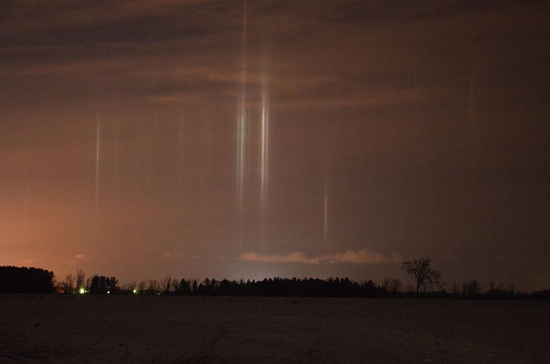 File:Lights pillars.jpg