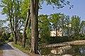 Lindenallee bei Schloss Engelstein 2014-05 02 NÖ-Naturdenkmal GD-113.jpg