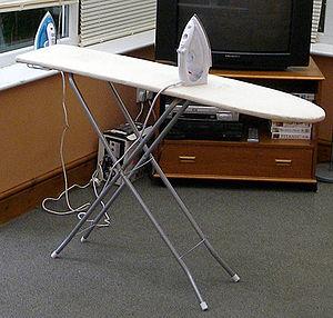 Folding table - Image: Lounge Conservatory 2