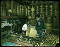 Making wooden barrels. (19955369951).jpg