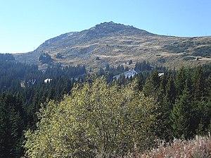 Malak Rezen - Malak Rezen Peak with Stenata ski run on the right, and Aleko site in the foreground.
