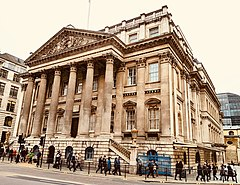 Mansion House, City of London (40478193673).jpg