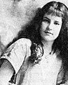 Margaret Harrison (violinist), c. 1914.jpg