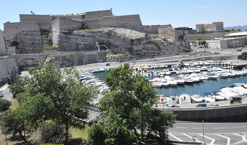 File:Marseille (France), Fort Saint-Nicolas et Palais du Pharo.jpg