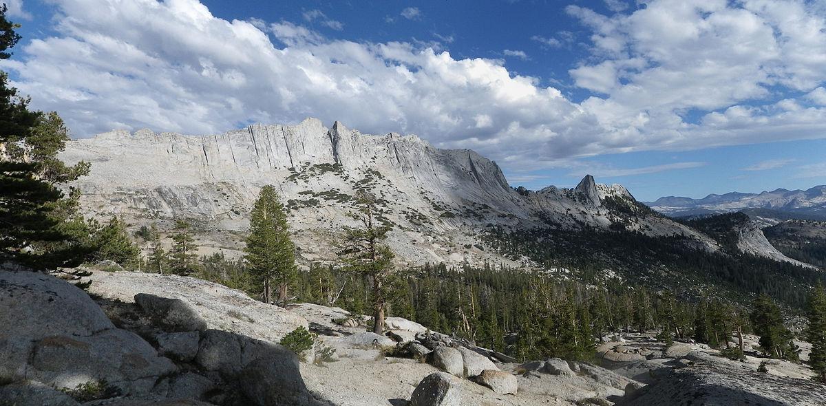 Yosemite West High Sierra Bed And Breakfast