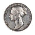 Medalj slagen med anledning av drottning Victorias kröning 28 juni 1838 - Skoklosters slott - 110780.tif