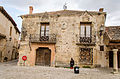 Medieval square of Pedraza 01.jpg