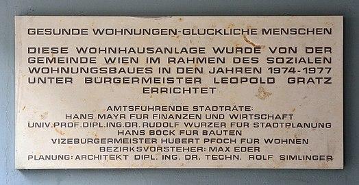 Meiselstraße 36-42, Vienna - Widmungstafel.jpg