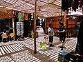Mercado sombras y sol.JPG