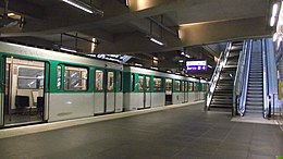 Metro Front Populaire train on openingsday.JPG
