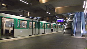 Front Populaire (Paris Métro) - Image: Metro Front Populaire train on openingsday