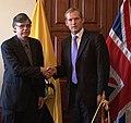 Ministro británico de Estado, Jeremy Browne, se reúne con Canciller encargado, Kintto Lucas de Ecuador (5974326129).jpg
